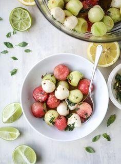 salada de melancia e mozzarella marinada, tudo o que me apetece com este calor