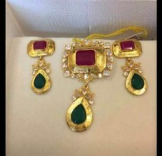 How To Clean Gold Jewelry With Vinegar Clean Gold Jewelry, Trendy Jewelry, Jewelry Accessories, Fashion Jewelry, Gold Chain Design, Gold Jewellery Design, Pendant Jewelry, Beaded Jewelry, Buy Gold Jewellery Online