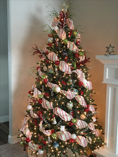 Pretty Diy Christmas Tree Decor Ideas - Page 4 of 31 - Easy Hairstyles Pencil Christmas Tree, Creative Christmas Trees, Silver Christmas Tree, Ribbon On Christmas Tree, Christmas Tree Themes, Xmas Decorations, Xmas Tree, Beautiful Christmas, Christmas Lights