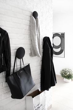 Muuto the Dots - Black Hallway Inspiration, Interior Inspiration, Black And White Hallway, Black White, Monochrome Interior, Interior Styling, Interior Design, Entry Hallway, Style Deco