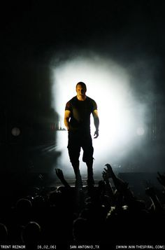 So awesome Trent Reznor, Nine Inch Nails, Easy Listening, Music Bands, Music Artists, Good Music, Famous People, Sexy Men, Iphone Wallpapers