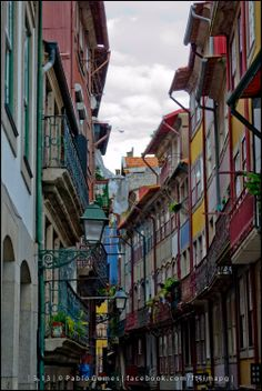 Rua Fonte Taurina- Ribeira Facade, Places To Go, Beautiful Places, Old Things, Stairs, River, Landscape, Street, City