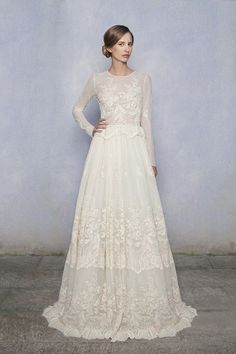 High necklines and Lace are two trends in Bridal 2015