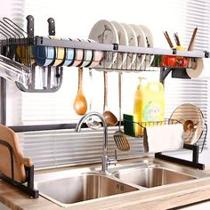 Cool Kitchen Gadgets, Cool Kitchens, Stainless Steel Paint, Kitchenware, Clothes Hanger, Ideas Para, Kitchen Design, Organize, Sink