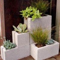Vasi e fioriere realizzate con i mattoni