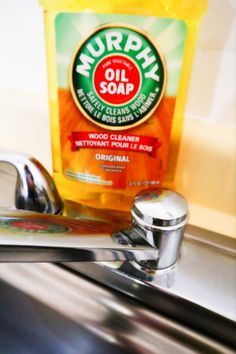Incredible Murphy's Oil Soap Hacks And Uses – Rainboots & Apron Strings Incredible Murphy's Oil Soap Hacks And Uses – Rainboots & Apron Strings Diy Home Cleaning, Household Cleaning Tips, Cleaning Recipes, House Cleaning Tips, Cleaning Hacks, Borax Cleaning, Household Chores, Cleaning Checklist, Household Cleaners