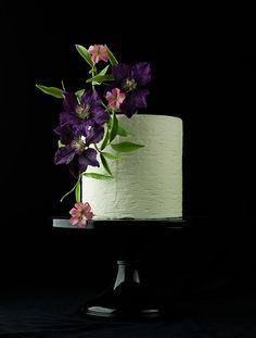 Wedding Cakes That WOW!! - MODwedding   Featured Wedding Cake: Lina Veber Cake