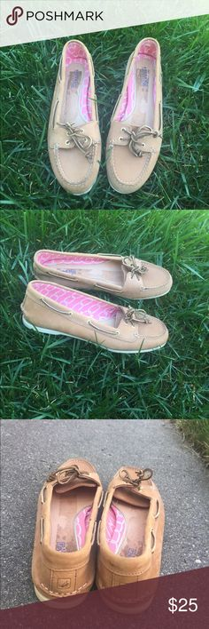 Sperry Top-Sider boat shoes tan Sz 10 M Sperry's Top-Siders tan  💓boat shoes Sz 10 M worn once , some staining from Nordstrom Rack tag. Sperry Top-Sider Shoes Flats & Loafers