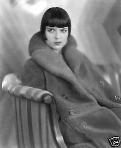 Louise Brooks, Prix de Beauté, 1930 (costume by Jean Patou) (photo by Eugene Richee) Louise Brooks, Kansas, Silent Film Stars, Movie Stars, Belle Epoque, Roaring Twenties, The Twenties, Style Année 20, 1920s Style