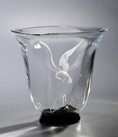 Vas, graverad av Vicke Lindstrand, Orrefors, 1930-tal | Galleri Landborg