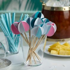 Give your guests good vibrations with these beach ball 