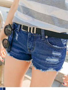 Today's Hot Pick :★ 散边拉丝破旧设计基本款牛仔热裤 http://fashionstylep.com/SFSELFAA0017953/yubscn1/out 当牛仔用破旧的方式出现在时尚界,就主导了潮流动向~ 简约,舒适正是牛仔短裤锁倡导的风尚, 破旧,拉丝,恰好展现牛仔时髦个性~ 手工磨破和裤腿随意的毛边处理,点亮牛仔的精神所在~ 半高腰款式和宽松的版型相结合,打造迷人的修长美腿~ 拉丝毛边牛仔短裤,让你清凉一夏天~ -牛仔短裤 -拉丝破旧 -半高腰