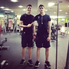 Jack & Finn Harries (British Twins)