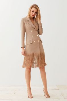68e7ca694 comprar online vestido corto esmoquin camel de manga larga escote en pico  botonadura con seis botones. Trajes De BodaVestidos De Fiesta ...