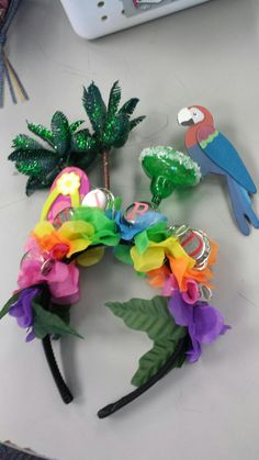Celebrate your love of Jimmy Buffet or just your love of margaritas with this fun headband! Parrots, Palm Tree and Flowers adorn this fun loving headband. Margarita salt not included! Check out our new ParrotHead Headband Tiki Party, Luau Party, 80s Party, Jimmy Buffett Concert, Margarita Party, Party Buffet, Hawaiian Luau, Tropical Party, Birthday Bash