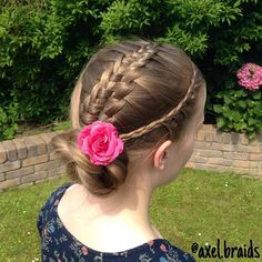 A French lace braid and suspended infinity braid into a rope twist bun for day 18 of #30daysnewbraids . . #30dnbday18 #cutegirlshairstyles #cghphotofeature #braid #braids #suspendedinfinitybraid #flower #cute #pretty #hair #hairstyle #hairstyles #hairgoals #hairposts #featuremejehat #ib_featureme #ab_feature #tinkerfeature #yiyayellowfeature #sweetheartshairdesign #braidsforgirls #braidsforlittlegirls #instibraid #instahair #hotbraidsmara #hairsryles_for_girls #lacebraid