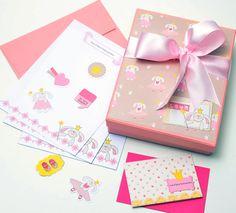 Kit menina com caixa personalizada papel carta, envelope,cartões sociais, tags e etiquetas  #papelariapersonalizada #stationary #blocopersonalizado #dayusepapelaria