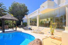 Impressive villa near the golf and Elviria, #Marbella