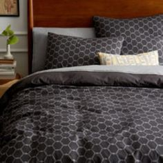 Arabesque Jacquard Quilt Cover + Pillow Shams - Slate