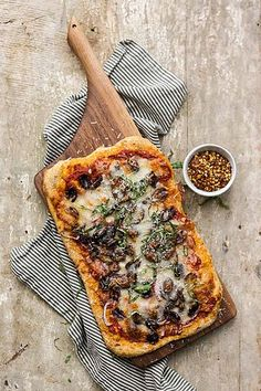 Olive Pizza with Red Onions