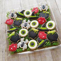No tricks here, just some sweet Halloween treats! #customcookies #sugarcookies #halloweencookies #spiders #eyeballcookies #cauldron…