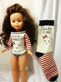 ANILEGRA COSE PARA NANCY: JERSEY PARA NUESTRA MUÑECA NANCY HECHO CON UN CALCETÍN Sewing Doll Clothes, Baby Doll Clothes, Sewing Dolls, Doll Clothes Patterns, Barbie Clothes, Clothing Patterns, Diy Clothes, American Girl Diy, American Girl Clothes