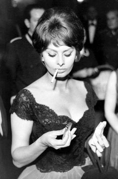 cinemarhplus: Sophia Loren Un gentleman, c'est celui qui, etc. (Michel Audiard) Plus