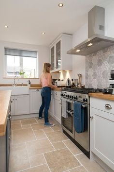 Chalkhouse Interiors Shaker kitchen with Rangemaster oven and Belfast sink Kitchen Room Design, Kitchen Tiles, Home Decor Kitchen, Kitchen Flooring, Interior Design Kitchen, New Kitchen, Kitchen Dining, Cottage Kitchens, Home Kitchens