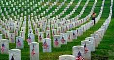 Honoring the Fallen Heroes Memorial Day Pictures, Happy Easter Quotes, Grave Headstones, Greetings Images, Quotes About New Year, Happy Memorial Day, We Remember, Cartoon Images, Happy Mothers