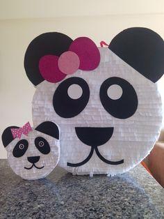 Piñatas de oso panda Panda Party, Kids Rugs, Home Decor, Tatoo, Panda Decorations, Homemade Home Decor, Kid Friendly Rugs, Decoration Home, Nursery Rugs