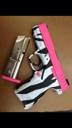 no way does this exist...if it does I need it!!zebra and hot pink gun