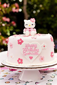 Beautifully decorated Hello Kitty birthday cake
