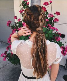 It's time to stop thinking of ponytails as 'lazy day' hairstyles. Here are 30 ideas for chic braid into ponytail styles that are sure to spice up your look. Lazy Day Hairstyles, Ponytail Hairstyles, Down Hairstyles, Pretty Hairstyles, Hairstyle Ideas, Hello Hair, Braided Half Up, Braided Ponytail, Double Braid