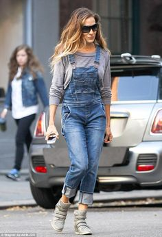Only her most loyal fans will follow this trend! She's always been a trendsetter, but something tells us not even Sarah Jessica Parker can b...