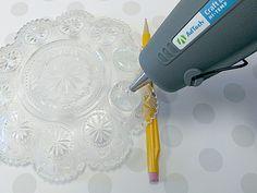 TheStudio By AdTech - Hot Glue Jewelry Using Glass Dishes as Molds Glue Gun Projects, Glue Gun Crafts, Hot Glue Art, Pinterest Diy Crafts, Diy Glue, Easy Homemade Gifts, Diy Molding, Glass Dishes, Gun Jewelry