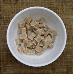 Super simple homemade horse treat: 1 C unsweetened applesauce, C flour, 1 C oats. Horse Tips, My Horse, Horse Love, Horse Gear, Homemade Horse Treats, Horse Cookies, Biscuits, Little Presents, Unsweetened Applesauce