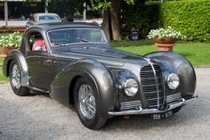 Delahaye 145 Chapron Coupe I don't want own it really but I really want to drive one sometime Bugatti, Vintage Cars, Antique Cars, Automobile, Auto Retro, Classy Cars, Fast Cars, Sport Cars, Motor Car