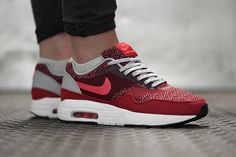 NIKE-AIR-MAX-1-JACQUARD-GYM-RED