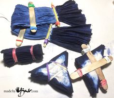 Do your own Simplified Shibori Dyeing with these instructions, 4 different patterns are an easy introduction to shibori dyeing using fibre reactive dye.