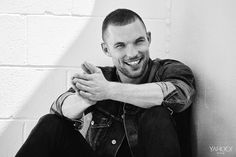 Ed Skrein wraps a denim jacket around his neck. Rogue Navy T-Shirt, $75, rogue.com Lanvin Slim Fit Cropped Trousers, $850, mrporter.com Citizens of Humanity Classic Jacket in Wilkes, $368, citizensofhumanit. Photography by Eric Ray Davidson for Yahoo Style