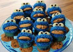Cupcakes come galletas Minion Cupcakes, Cookie Monster Cupcakes, Cute Cupcakes, Cupcake Cookies, Chip Cookies, Cupcakes Kids, Monster Cakes, Decorate Cupcakes, Cupcake Art