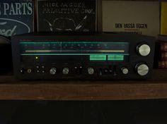 My humble technics receiver - http://earth66.com/audio-video/humble-technics-receiver/