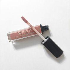 ARTDECO Hydra Lip Booster in 36 Translucent Rosewood, a dusty pink gloss. http://beautyeditor.ca/2015/09/18/artdeco-makeup