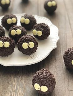 Cute Desserts, Sweets Recipes, Sweet Cakes, Cute Cakes, Christmas Baking Gifts, Kawaii Dessert, Cafe Food, Food Humor, How Sweet Eats