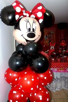Decorations at a Minnie Mouse Party #minniemouse #partydecor