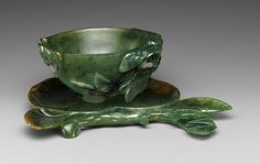 Peach-shaped cup with saucer, Qing dynasty (1644–1911), 19th century  China  Jade (jadeite)