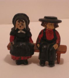 Vintage Amish Pilgrim Metal Cast Iron Figures Boy Amp Girl