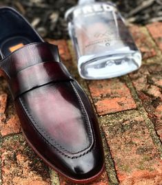 Men's leather shoes for sale Leather Skin, Leather Loafers, Loafers Men, Slip On Shoes, Men's Shoes, Dress Shoes, Penny Loafers, Shoe Shop, Casual Shoes