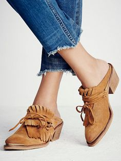 e3a3e878f181b7  TuesdayShoesday  Shop Our Favorite Fall Flats From Free People