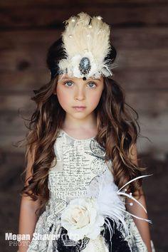 Sophia Feather Headpiece - A Fabulous Accessory